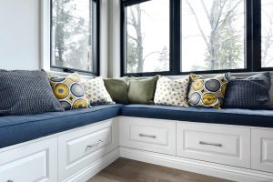 bench seating in a welcoming kitchen